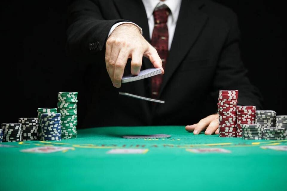Ways A Online Poker Exists To You Everyday
